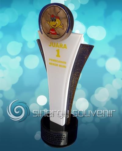 plakat trophy indomaret