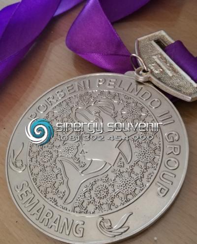 Medali Logam Casting